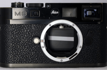 Leica M8.2 Manual, a Manual of Leica's Best Rangefinder Camera 1