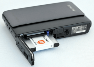 Sony DSC-TX5 Manual (opened battery slot)