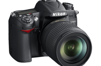 Nikon D7000 Manual (camera body with lens)