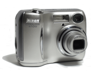 Nikon CoolPix 4100 Manual - camera front side