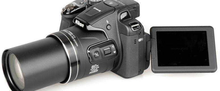 Nikon CoolPix P610 Manual - camera side with flipped screen