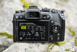Olympus E-M1 Mark II Manual camera back side