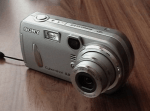Sony Cyber-Shot DSC-P92 Manual - camera front side