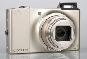 Nikon CoolPix S8000 Manual-camera front face