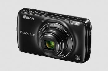 Nikon CoolPix S810c Manual-camera front side