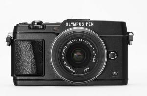 Olympus E-P5 Manual-camera front face