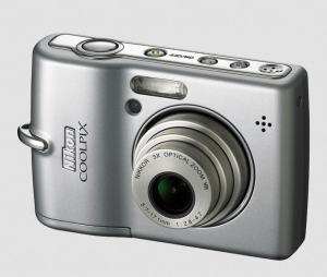 Nikon CoolPix L12 Manual; camera front face