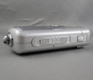 Nikon CoolPix 3500 Manual - camera side