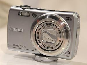 Fujifilm FinePix F100FD manual - camera front face