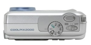 Nikon CoolPix 2000 Manual - camera side