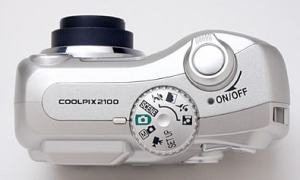 Nikon CoolPix 2100 Manual - camera side