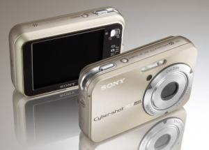 Sony DSC N2 Manual - camera front and rear side