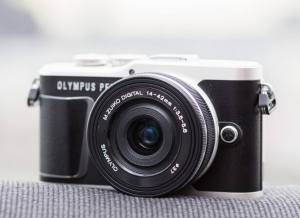 Olympus E-PL9; Camera front side