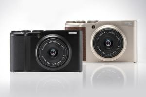 Fujifilm XF10; New Affordable Compact with Large Sensor
