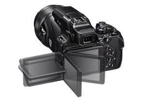 Nikon CoolPix P1000 - flipped screen
