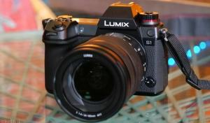Lumix SR1 and S1: Two Mirroless Full-Frames from Panasonic 3