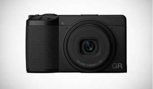 Ricoh GR III: Is this First Camera from Ricoh with Dust-Removal? 2