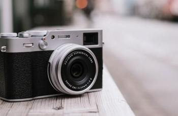 Review of The Advantages of The Latest Fuji Camera, Fujifilm X100V 1