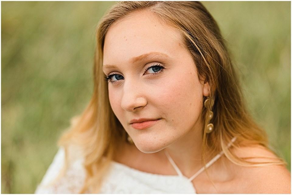 Senior Photography in Chaska Minnesota with horse_0011.jpg