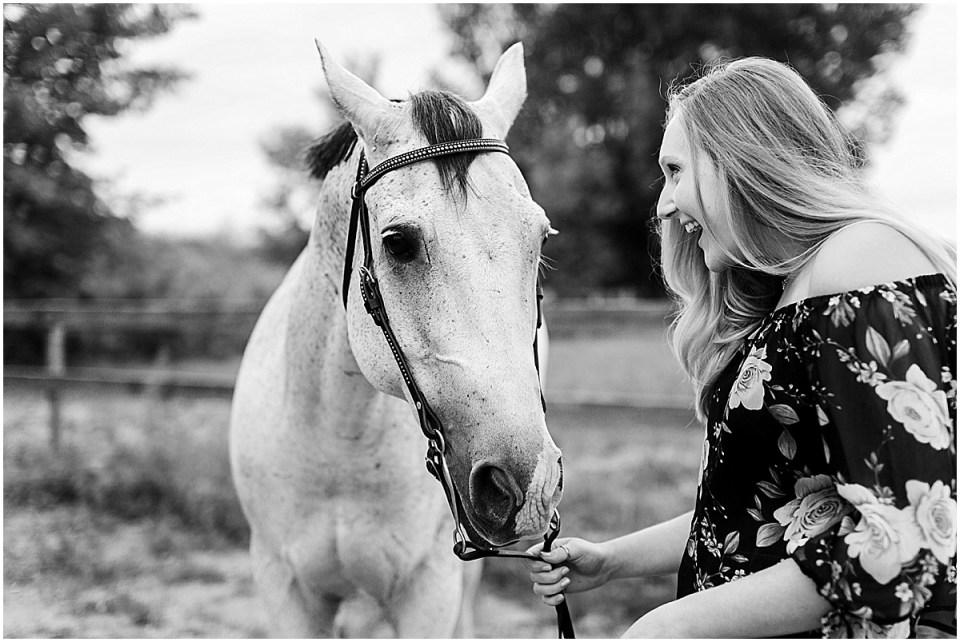 Senior Photography in Chaska Minnesota with horse_0026.jpg