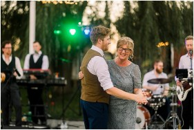 Terra Nue Farm Off beat bride non-traditional outdoor hipster wedding_0145