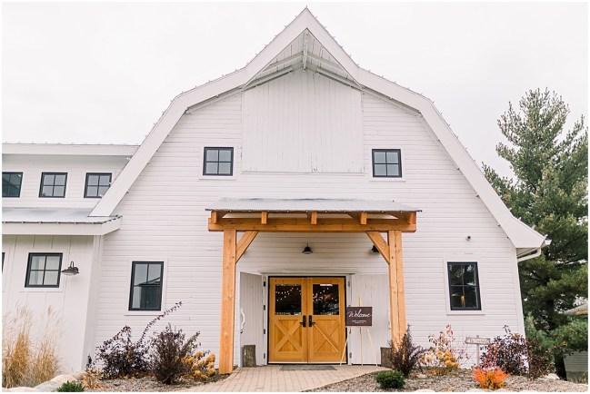 Gathered Oaks Barn Fall Wedding_0002