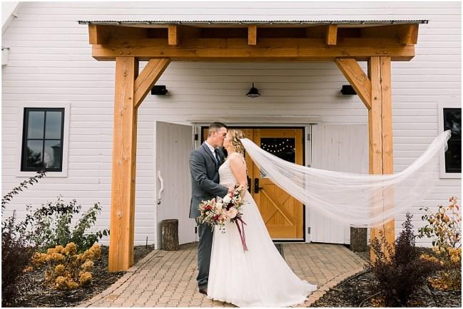 Gathered Oaks Barn Fall Wedding_0062