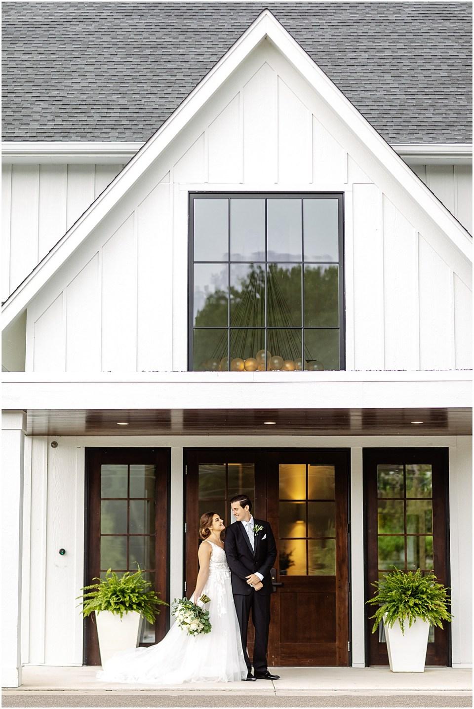 Hutton House Wedding in Summer at Medicine Lake