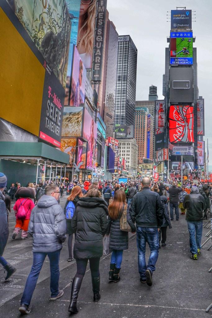 2016-03 - DSC07514-01 - Times Square NY - Cameron Dixon