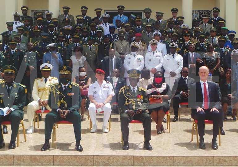 Arrêt sur images : 60 ans après, la France entame enfin la vraie colonisation du Cameroun