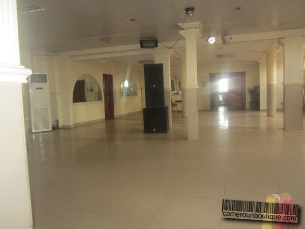 Salle de Banquets 400 Places Yaound Kondengui  Cameroun Boutique