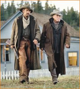 """Kevin Costner e Robert Durval em """"Pacto de Justiça"""", 1993."""
