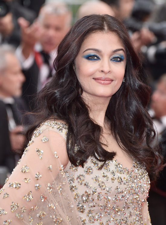 Aishwarya-Rai-Cannes-Film-Festival-2016-Red-Carpet-Fashion-Ali-Younes-Couture-Tom-Lorenzo-Site-6