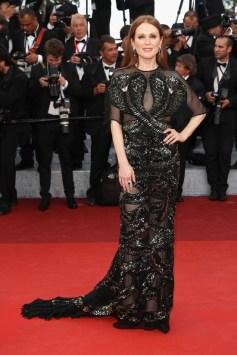 Julianne Moore, em Givenchy, 11/05.