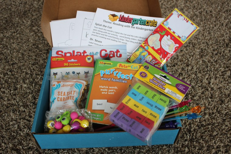 Kindergarten crate camille pearl i love that there is something pete the cat themed my kids are just starting to get into word families too so its perfect timing ibookread ePUb