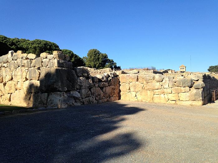 Vistas de la muralla griega