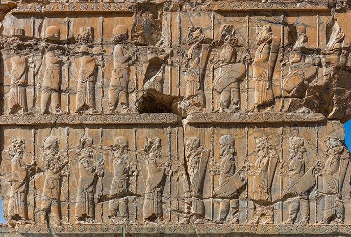 Los diez mil inmortales en Persépolis, símbolo de la dinastía aqueménida