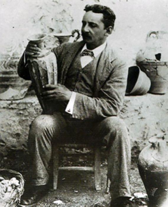 Sir Arthur Evans en Cnosos