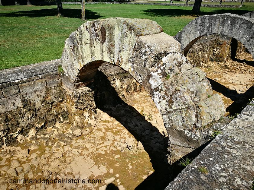 El arco más antiguo de las Fuentes Tamáricas