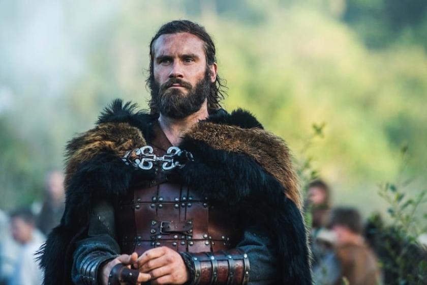 """Rollón interpretado en la serie """"Vikingos"""" por Clive Standen"""