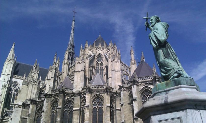 Pedro de Amiens en su localidad natal