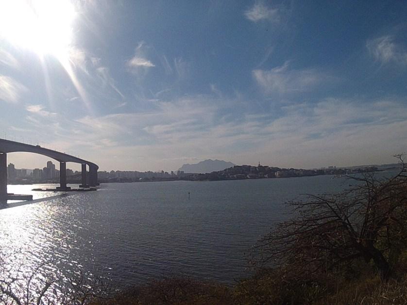 imagem-de-praia-abaixo-da-terceira-ponte