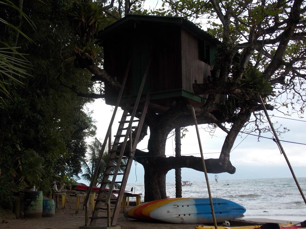 foto de casa em cima da arvore - Aventuras em Caragua – 05 de outubro de 2016