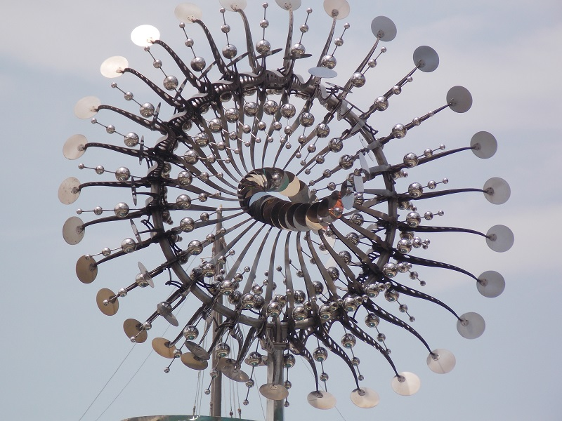 conhecendo o centro foto da pira olimpica - Museu do Amanhã e centro do Rio de janeiro. Lindo.
