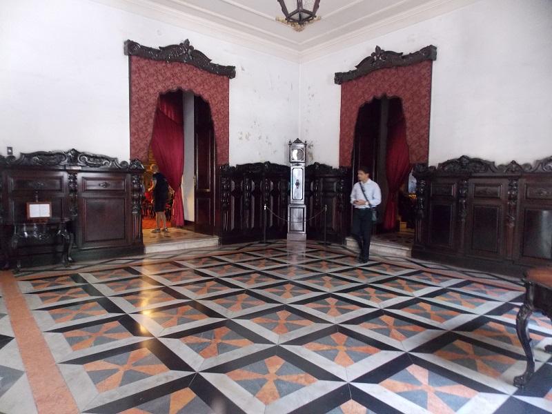 conhecendo o centro foto geral do salão da igreja - Museu do Amanhã e centro do Rio de janeiro. Lindo.