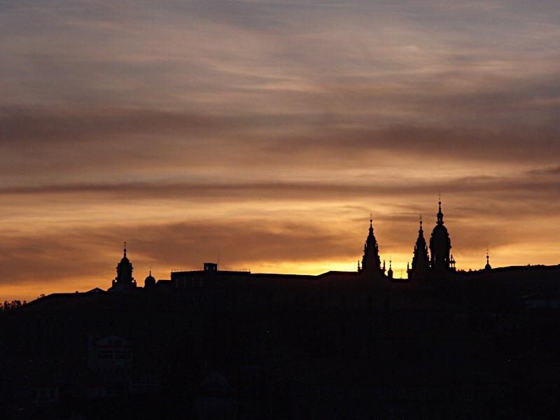 サンチャゴ大聖堂夕焼けの写真