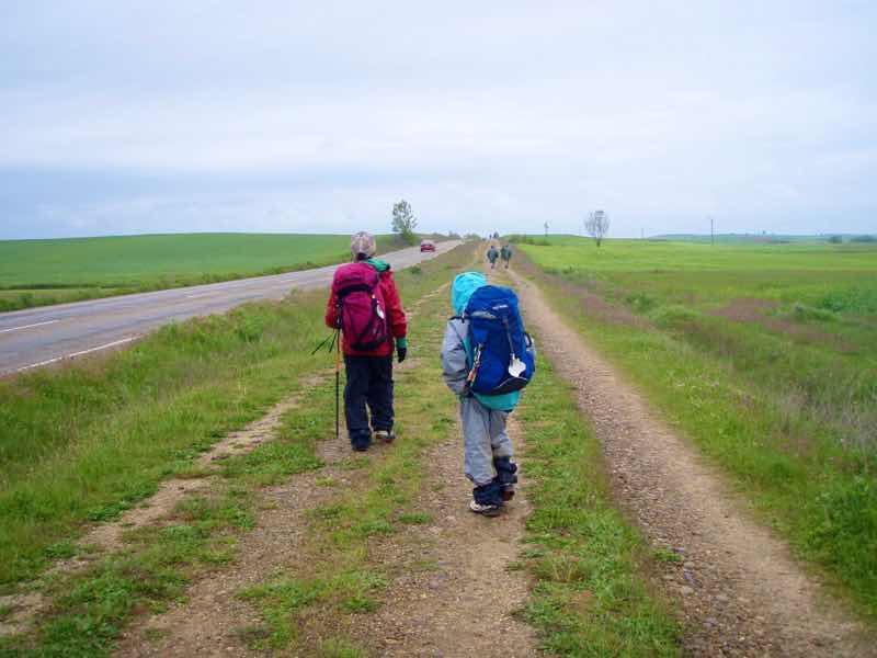 512 ビラメンテロデカンポス 田舎道から歩き出し1.2