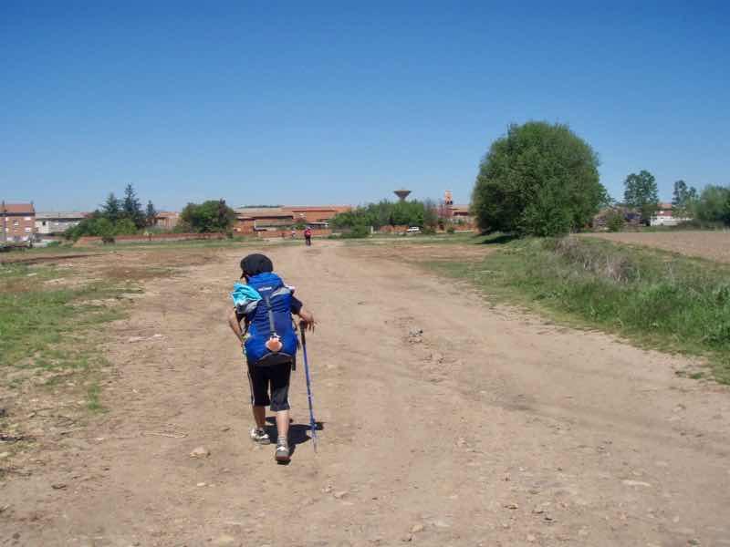 519 カミーノ オルビゴ 田舎道2 広い道