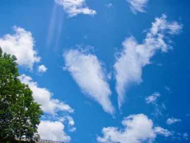 525サンティアゴ巡礼 ルイテラン 青空 ハート雲