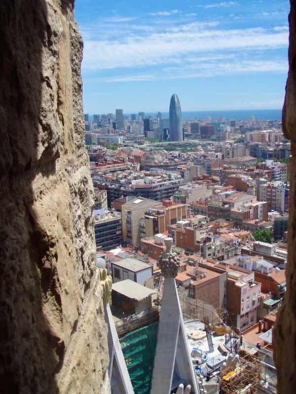 616サグラダファミリア 左石壁 バルセロナ街
